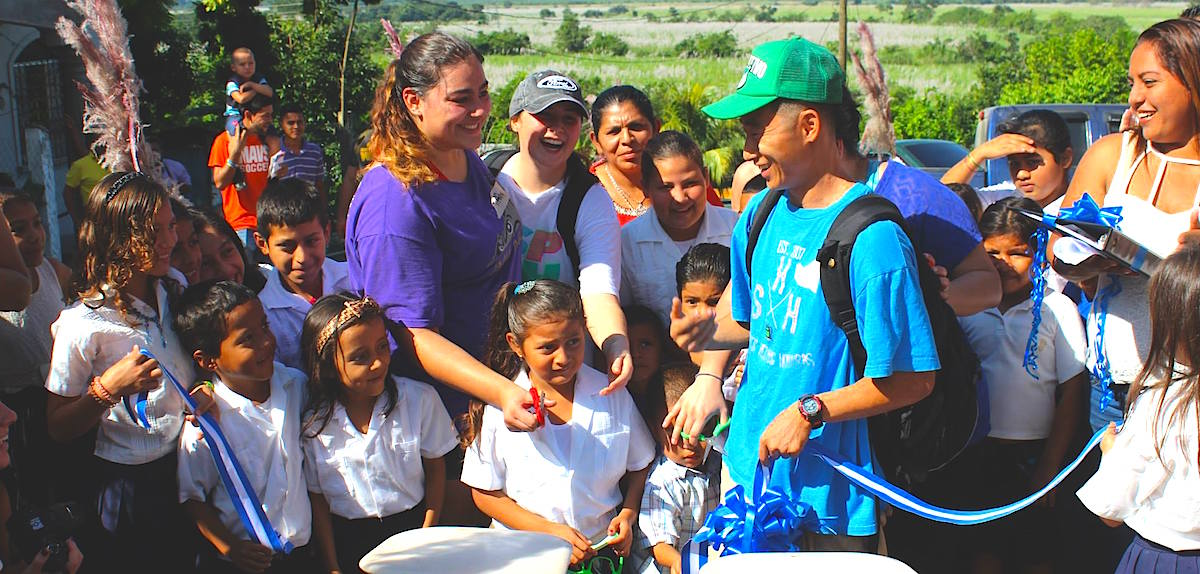 Honduras orphanage missions international volunteer Shin Fujiyama Honduras Central American