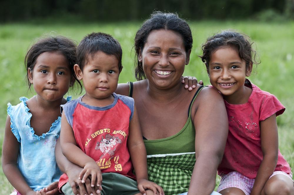 Honduran woman and children organizations helping children