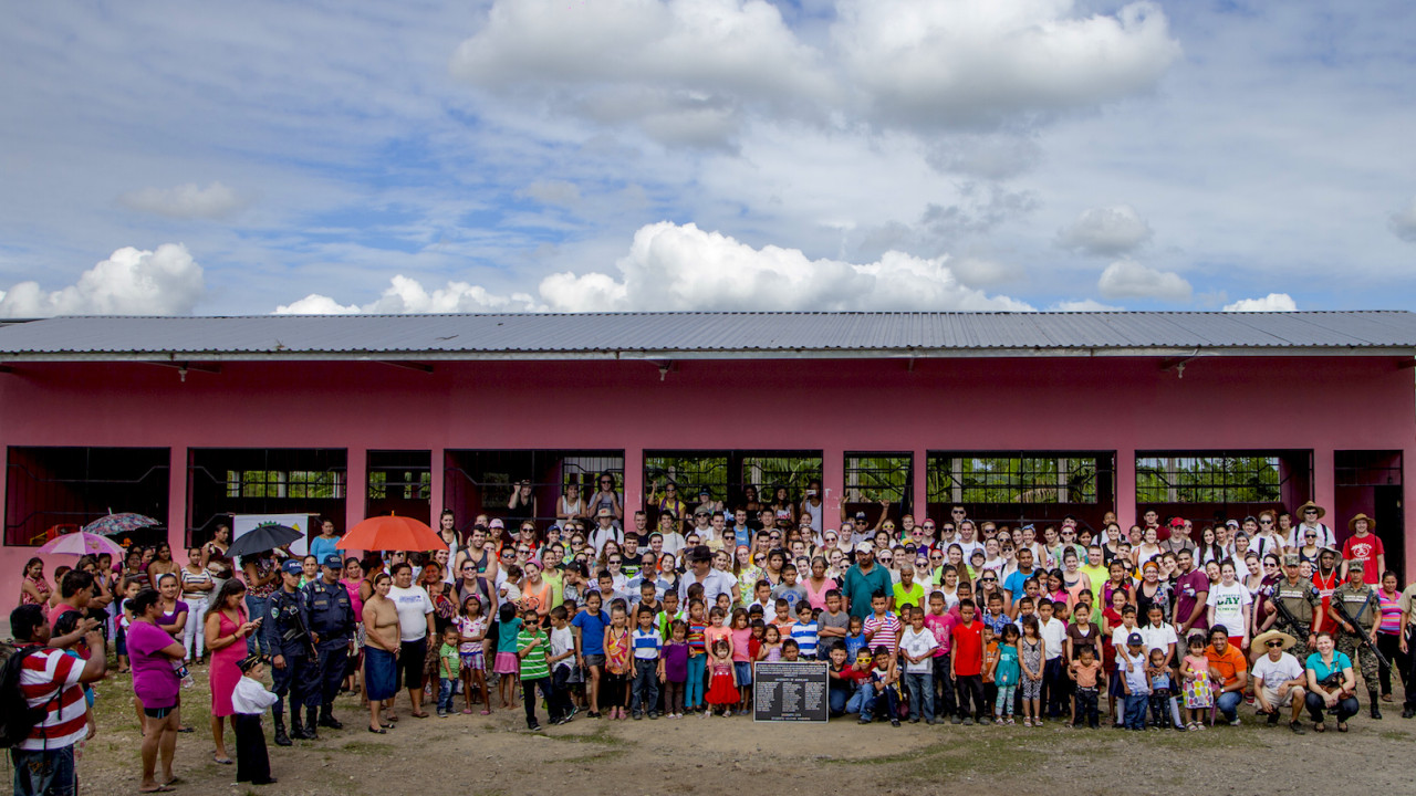 volunteer abroad voluntary work with children
