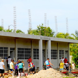 spring break volunteer mission trips for college students school building