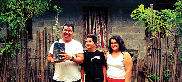Honduras people family planting tree projects abroad